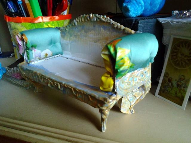 Сделать диван для ребенка своими руками 56
