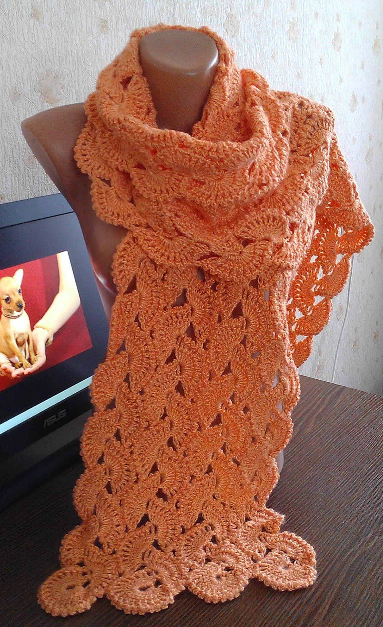 Вязаный шарф с кружевом