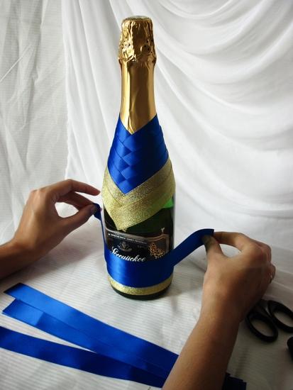 Свадебное украшение на бутылку шампанского своими руками