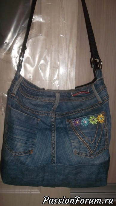 Моя первая переделанная джинсовая сумка.