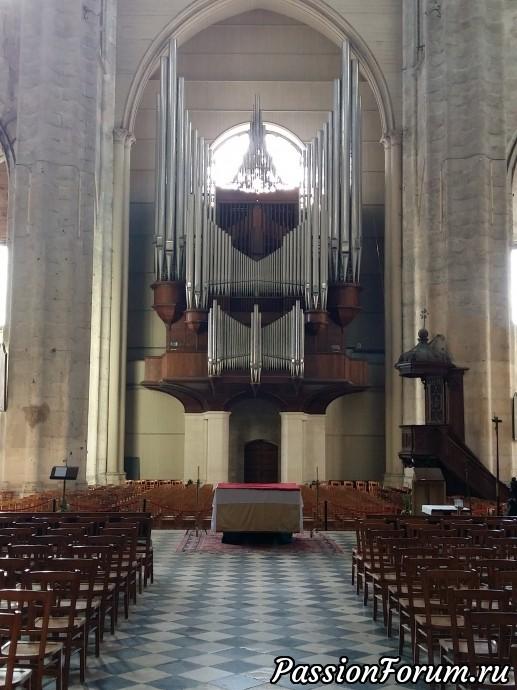 Орган, неотъемлемая часть любого католического собора