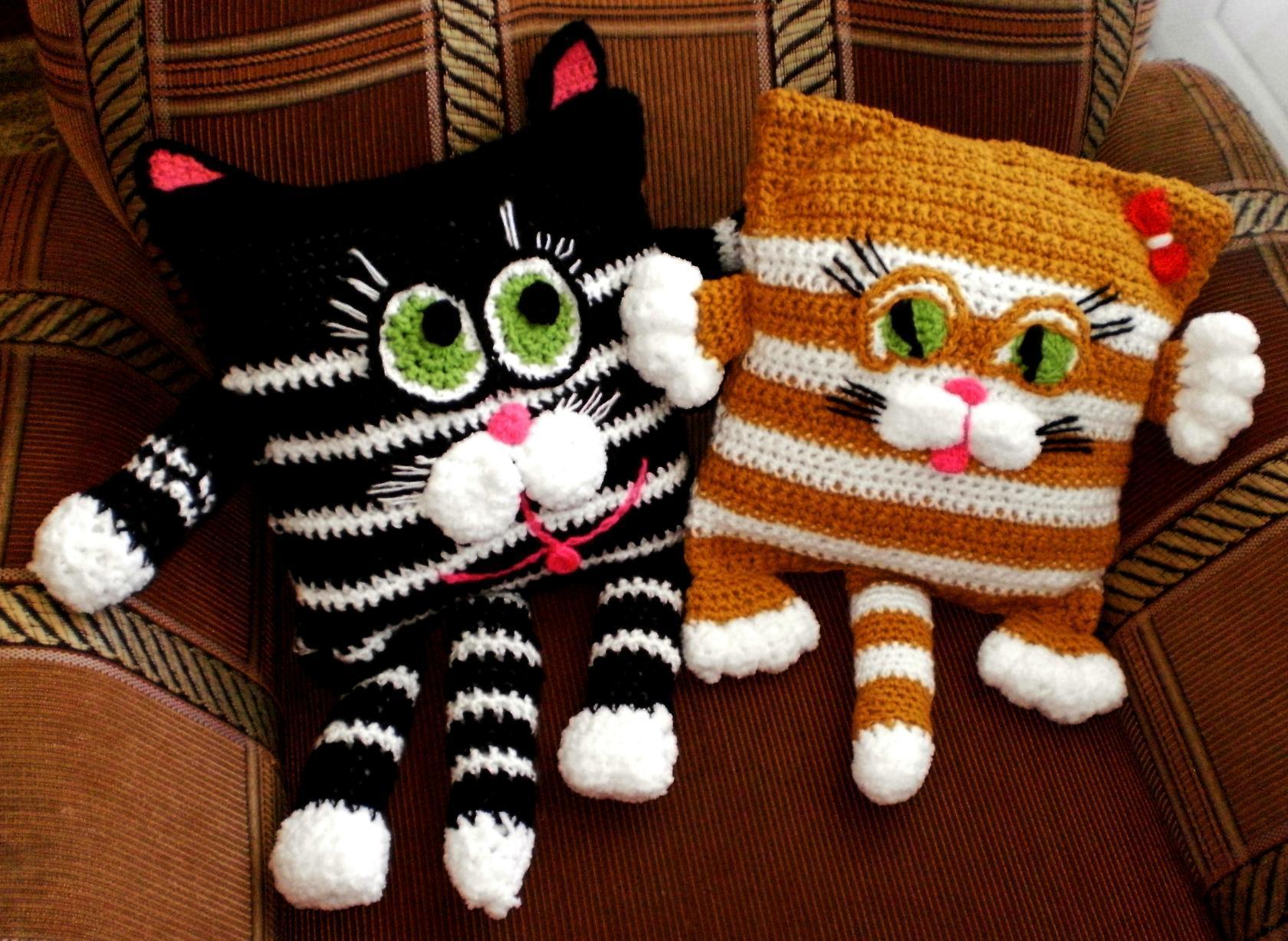 Вязаные подушки коты своими руками