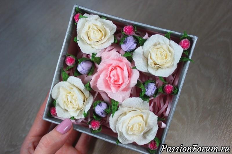 Мастерим подарок своими руками свит-бокс в коробочке, розы из бумаги, гофрированная бумага, свит-бокс, цветы из бумаги, сделай сам, подарок