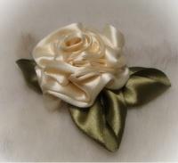 Мастер класс по созданию роз из лент