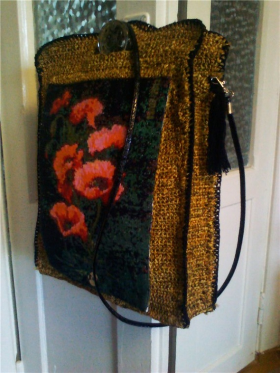 вязанная сумка с вышивкой