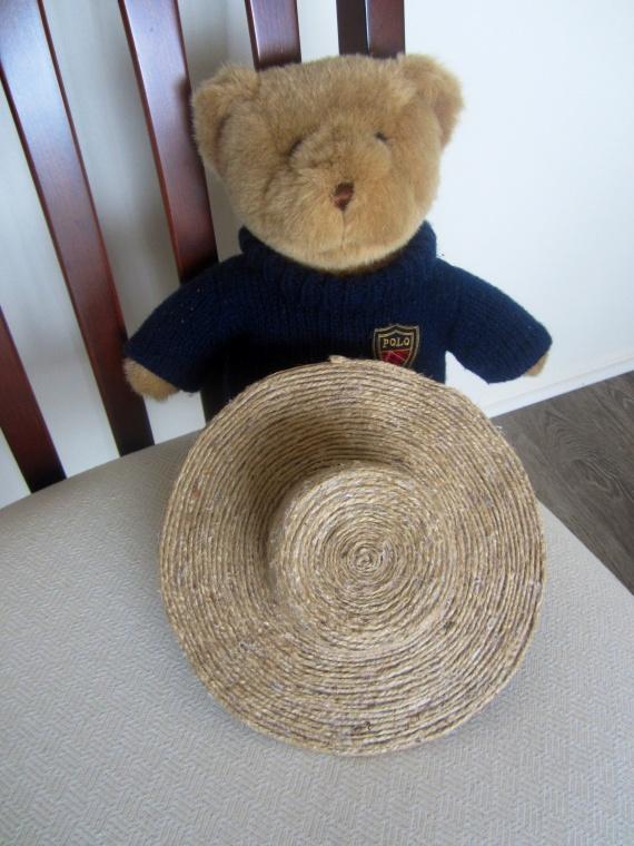 Круг наконец- то замкнулся. Остается дело за малым, украсить шляпку.