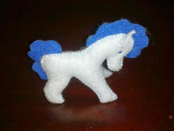 Год голубой лошади.