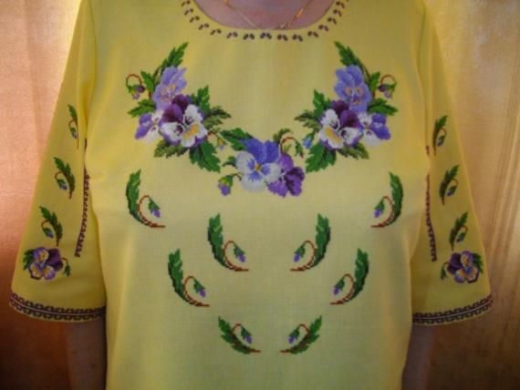 Вышиванка для бабушки