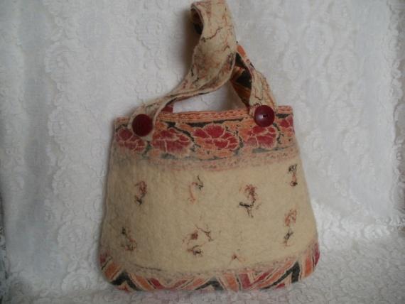"""Валяная сумочка """"Цветы Монголии"""""""