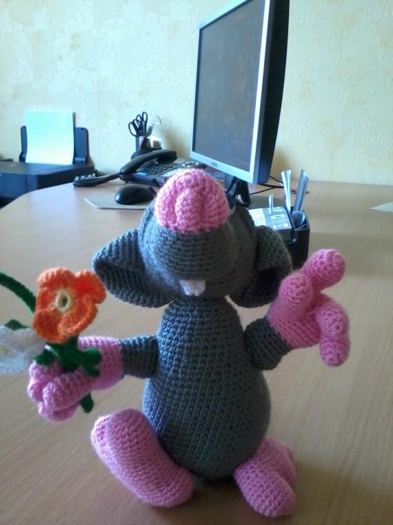 Влюбленная мышь))))