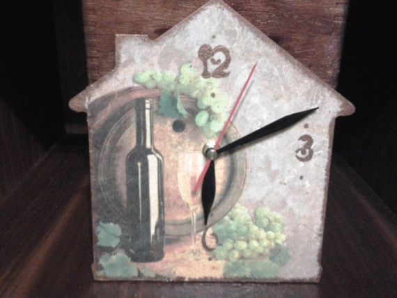Часики для винного погребка