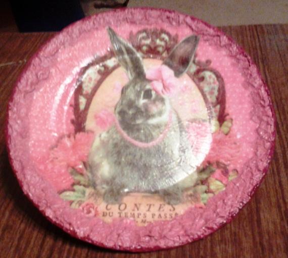 Получила и сразу в дело!Декоративная тарелка с зайцем.