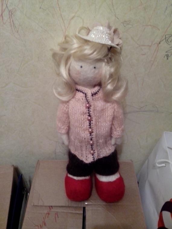 валяннная куколка