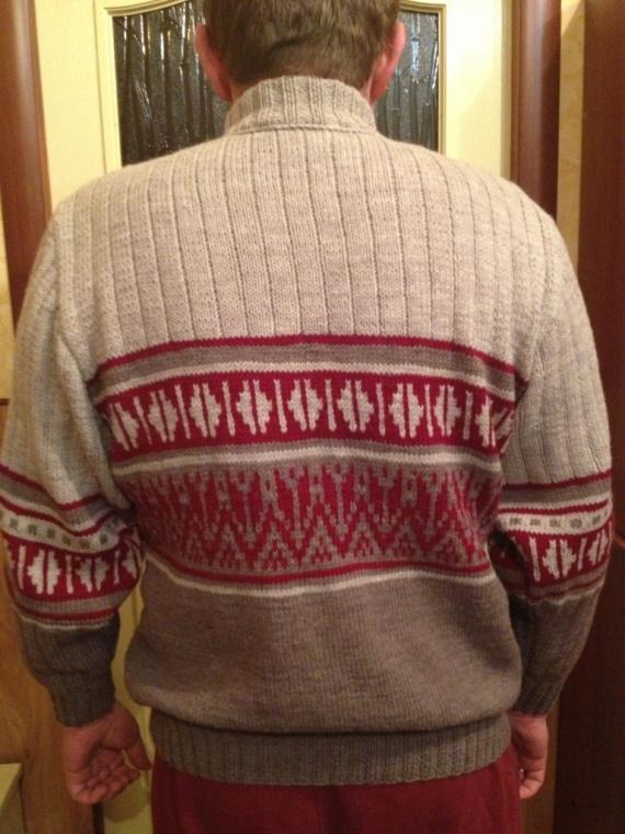 Мужской свитер с жаккардовым рисунком