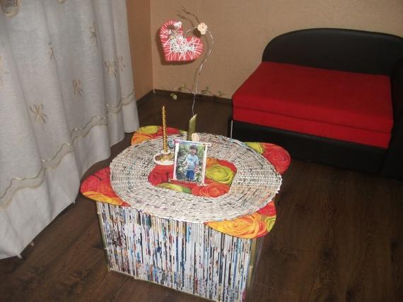 Журнальный столик «Посидим за чашкою чаю» из… картона, газетных трубочек и бамбука