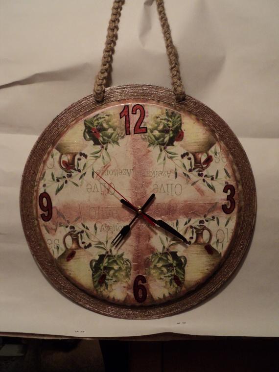часы в технике декупаж из ненужных предметов делаем  полезные вещи