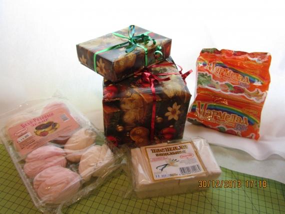 Пока все сюрпризы в коробочках)))