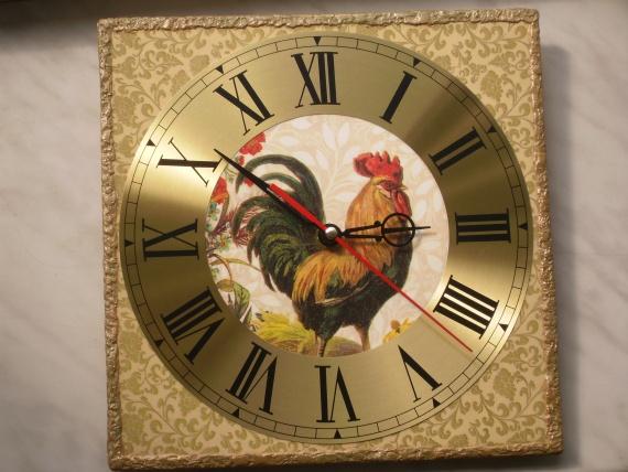 Часы с петухом