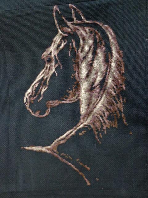 Лошадь символ вышивка