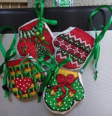 Новогодние рукавички