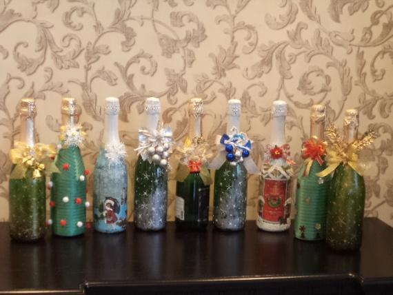 Вот такой парад новогодних бутылок у меня получился