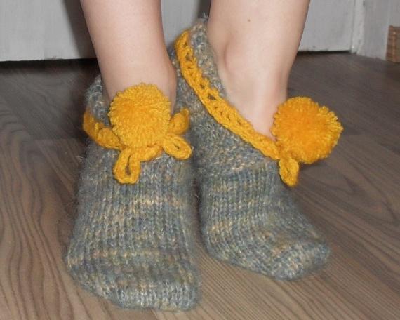 Тапочки-носочки спицами и крючком