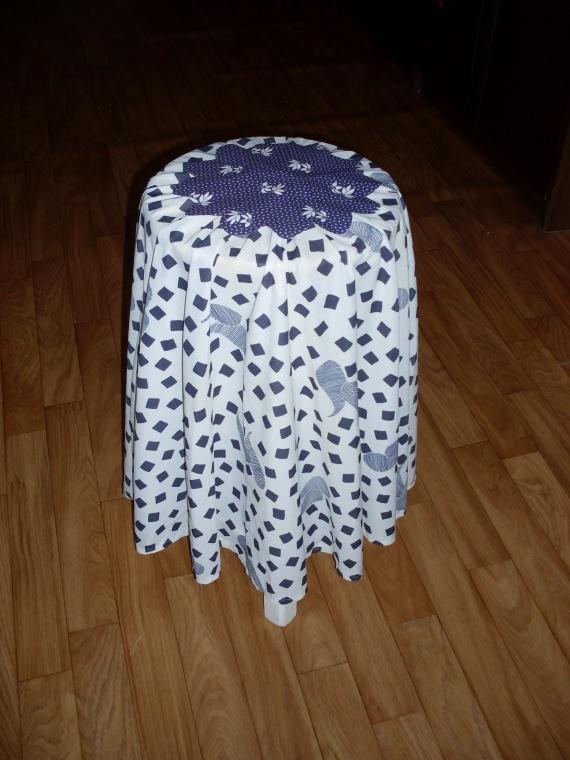 Столик из табуретки
