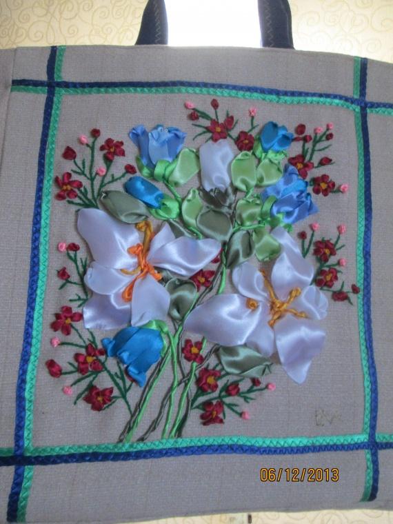 Дебют-проба пошива сумок с вышивкой лентами