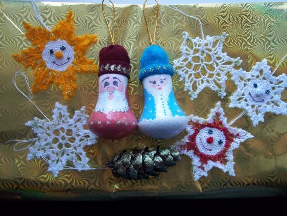 Дед мороз из лампочек своими руками фото