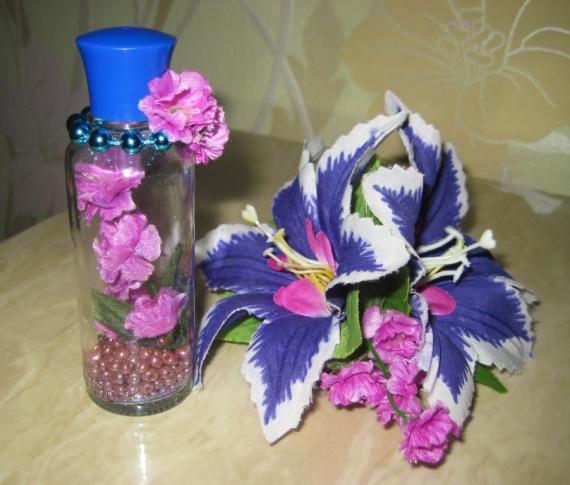 Цветы в бутылочке
