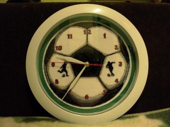 """часы """"Футбольный мяч"""" на подарок племяннику"""