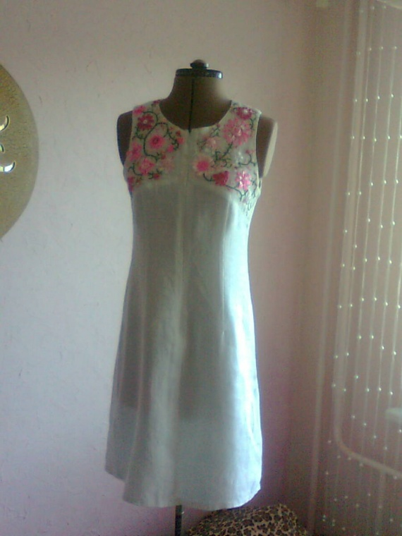 Вышивка на платье лентами фото