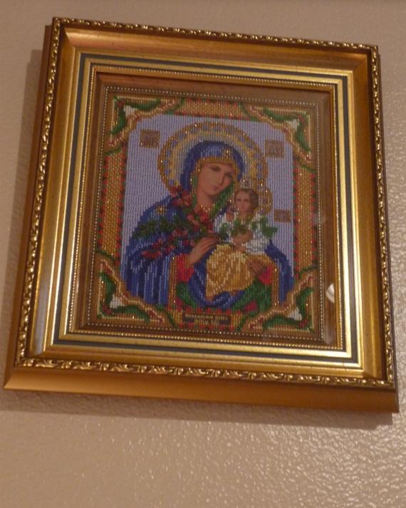 """Икона Богородицы """"Неувядаемый цвет"""" из бисера."""