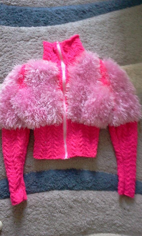 Розовая кофточка -пушистик