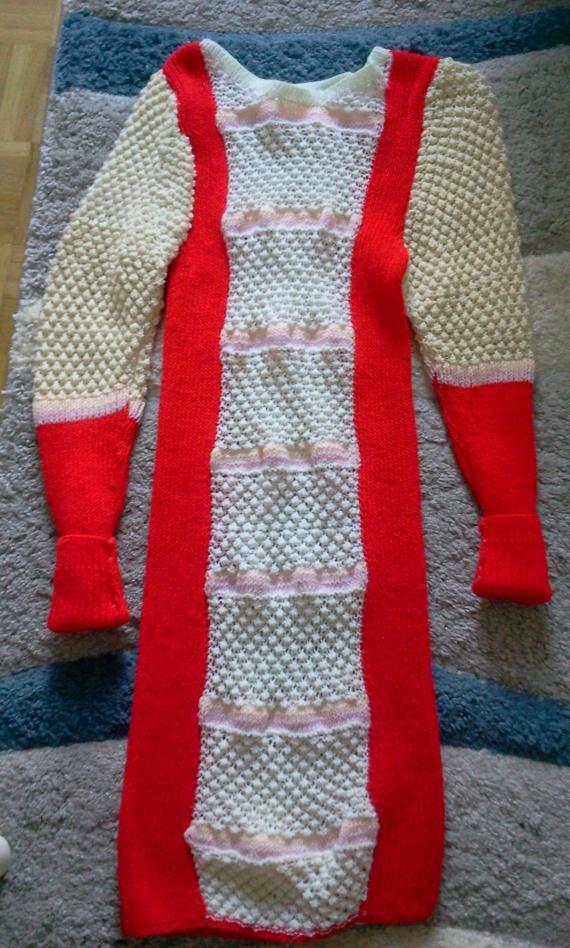 Теплое платье из остатков пряжи
