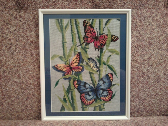 Бабочки летают, бабочки! :))
