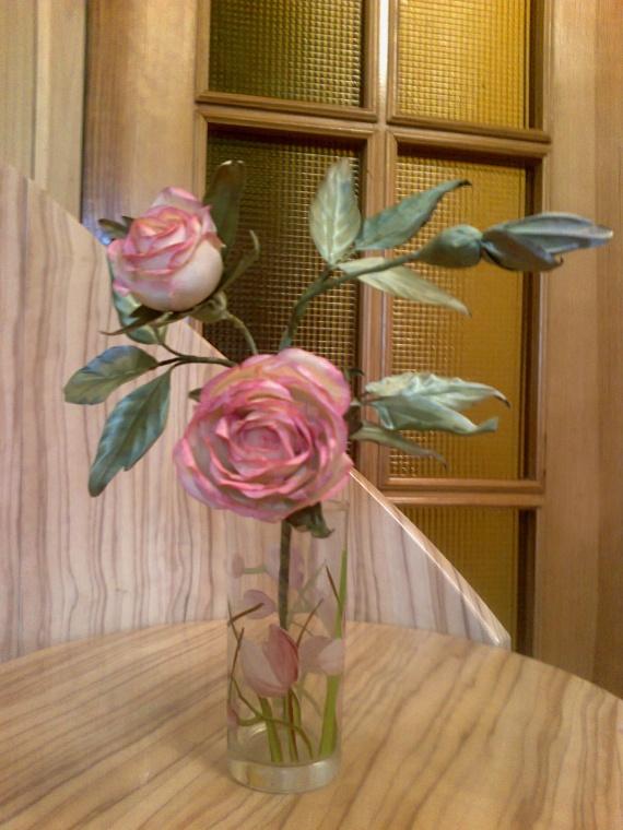 Веточка роз.