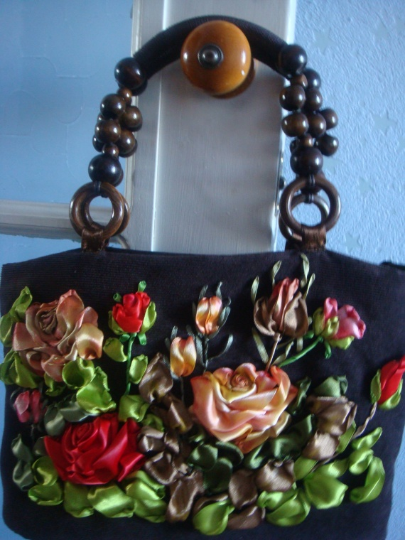 Вышивка лентами сумок мастер класс