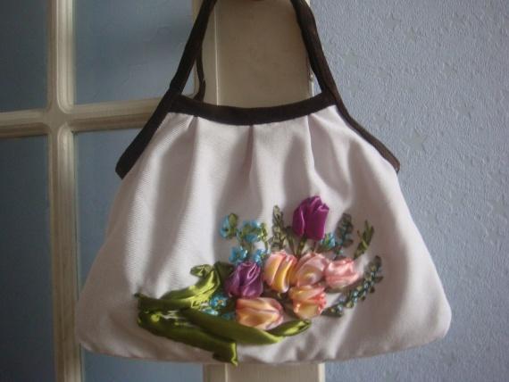 Сшитая и вышитая сумка