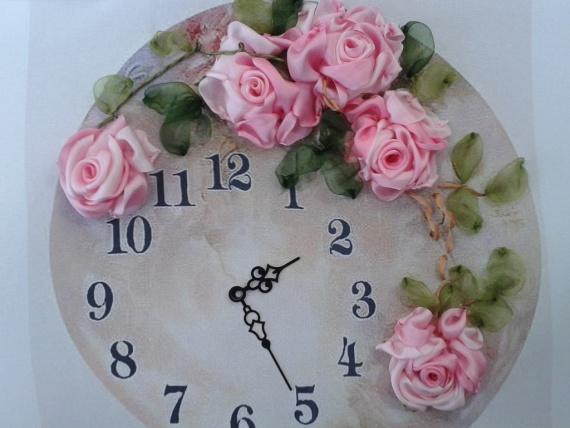 Часы по мотивам картины Sonie Ames