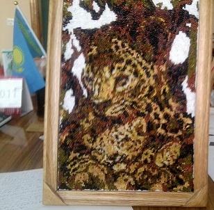 Леопарды : в маминых лапках так уютно и тепло