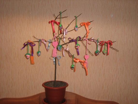 Деревце Сердечек