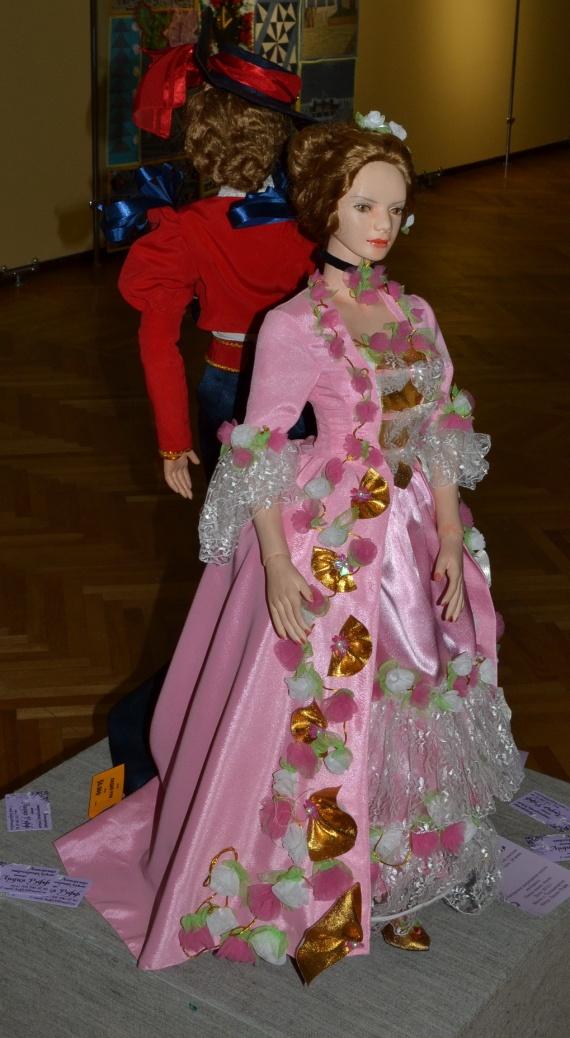 Рождественская выставка. Куклы