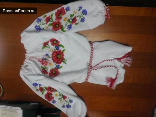 Вышитая детская блузка
