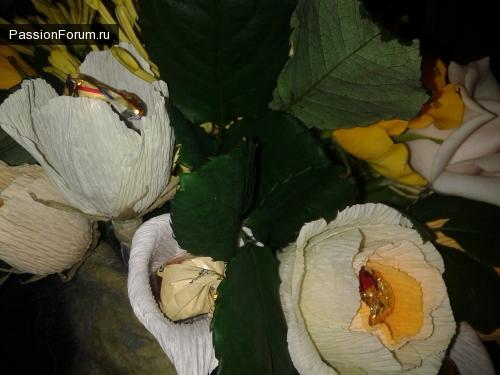 букет: розы, хризантемы и калы