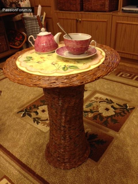 """Чайный столик """"Наслаждение"""" из газетных трубочек"""