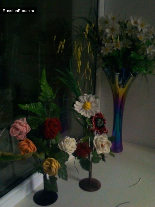 вязанные розы мак и ромашка