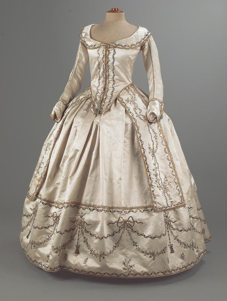 Картинки, картинки 17 века бальные наряды