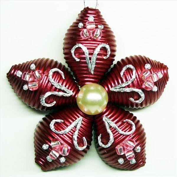 homemade christmas tree ornament flower pasta red pearl