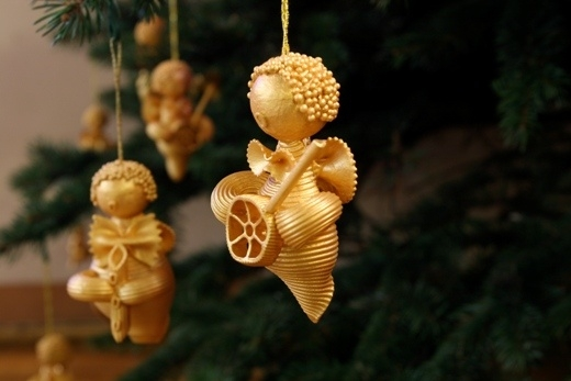 christmas tree ornaments kids pasta angels gold